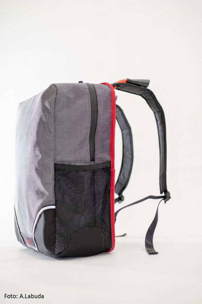 1air backpack der rucksack mit bel ftungssystem. Black Bedroom Furniture Sets. Home Design Ideas